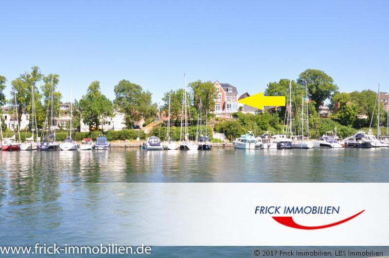 Kleine Seeblick-Wohnung mit Balkon dirket am Hafen